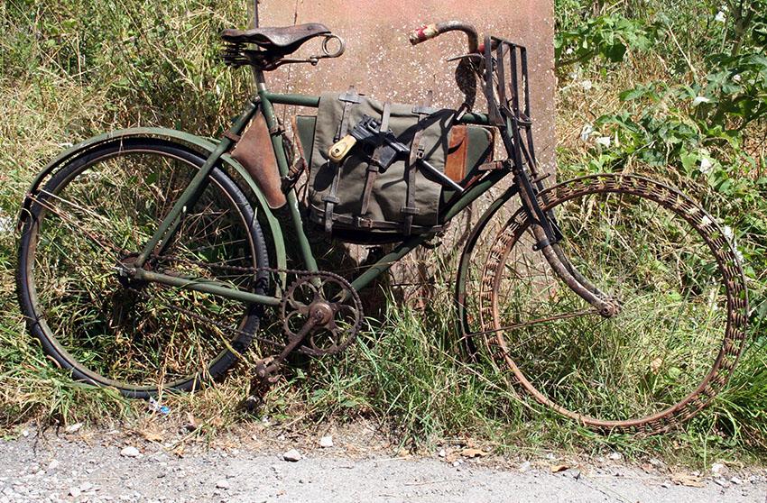 WW1-Germasn-Bicycle-Victoria-Springwheel-01